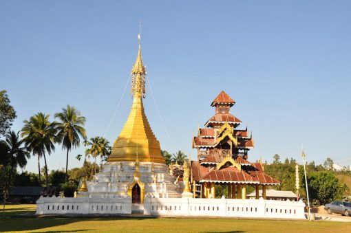 Buddhist temple in Burmese style Mae Sariang Tours