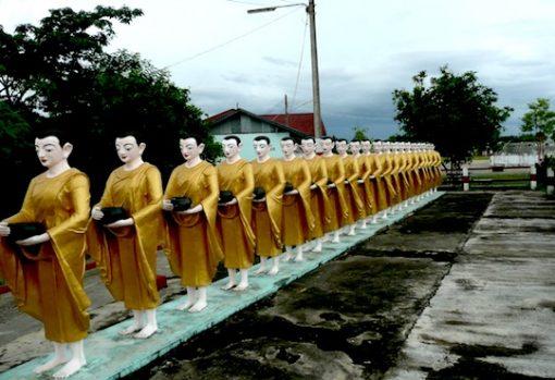 Picture of Buddha status around Shwedagon Pagoda