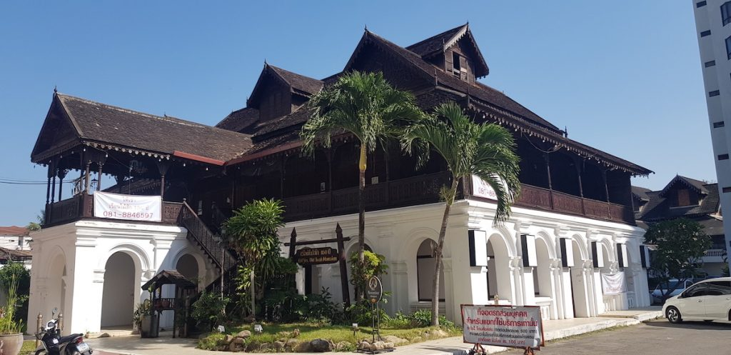 Old colonial style house