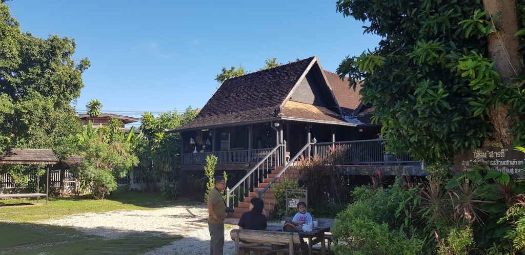 Old wooden House Things to do in Lampang