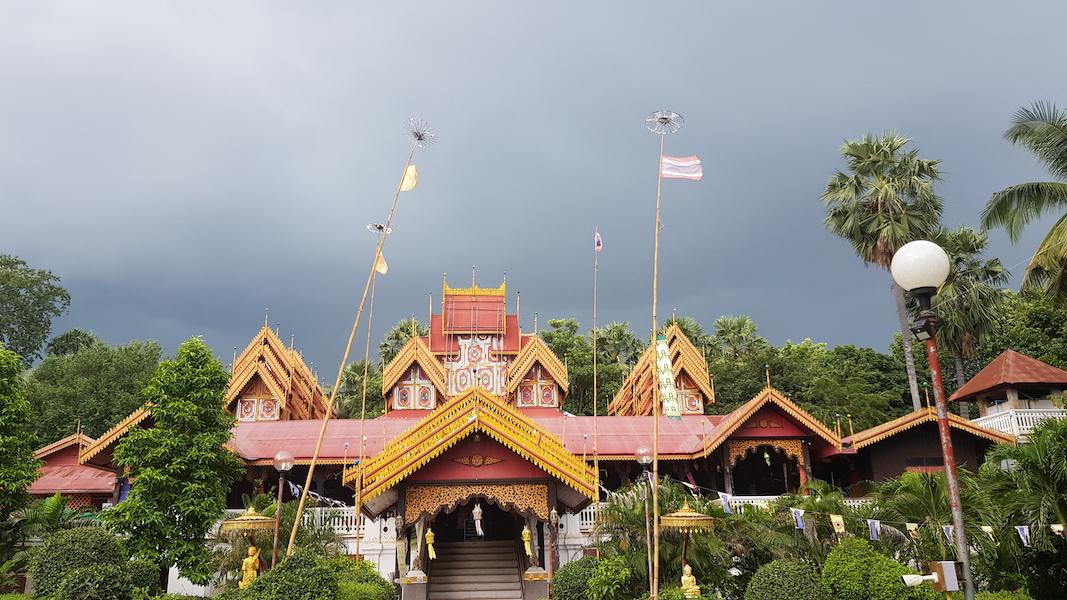 Burmese style templ