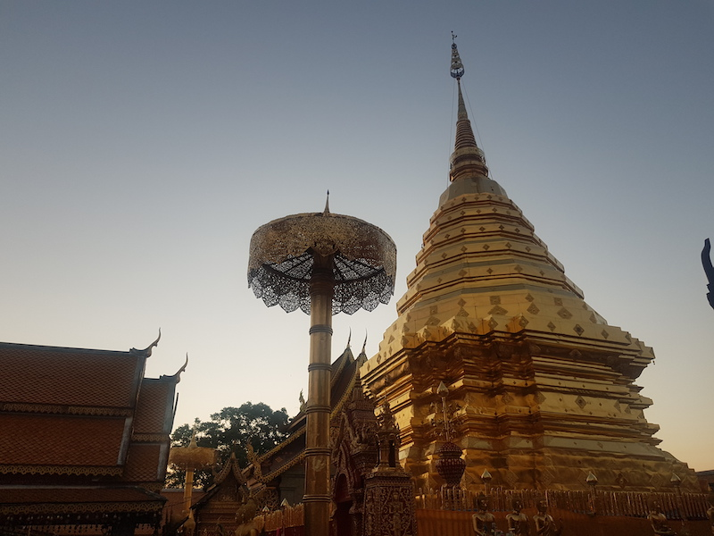 Golden chedi in the morning