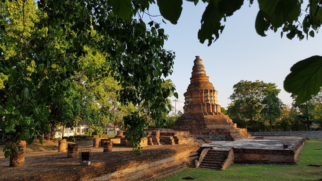 Old chedi and trees Wiang Kum Kam