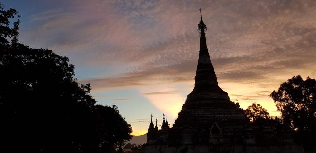 Chedi during sunrise